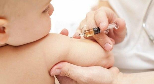Vaccini, il 33%dei genitori non vaccina i figli, tornano le malattie contagiose