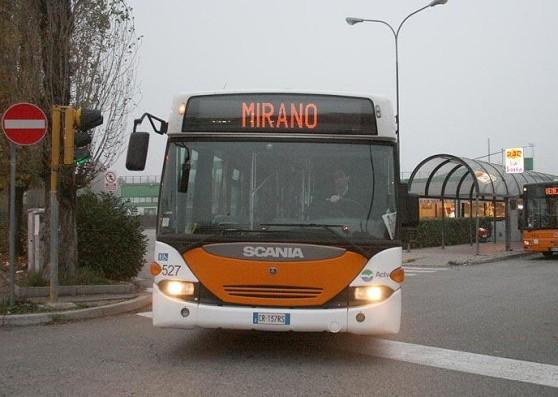 "Panico sul bus: urla ""Allah Akbar"""