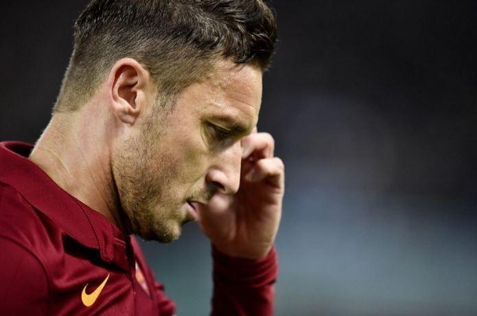 Annuncio di Ilary Blasi: Totti lascia il calcio