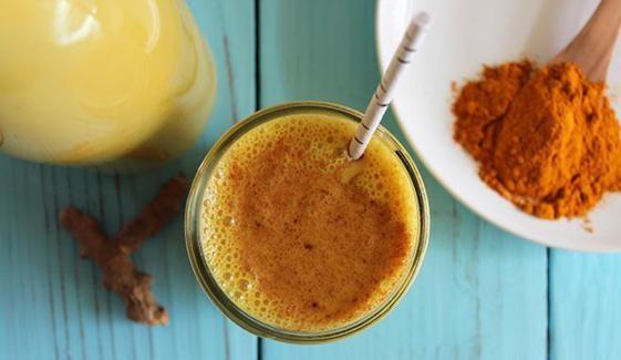 Golden Milk, cura naturale per dolori articolari, infiammazioni e non solo