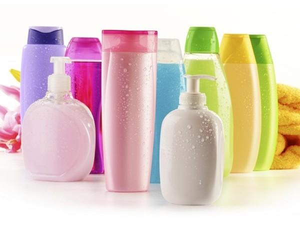 Sequestrati oltre 100mila prodotti tra tinture per capelli e saponi