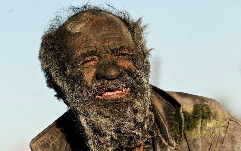 L'uomo più sporco del mondo non si lava da 60 anni
