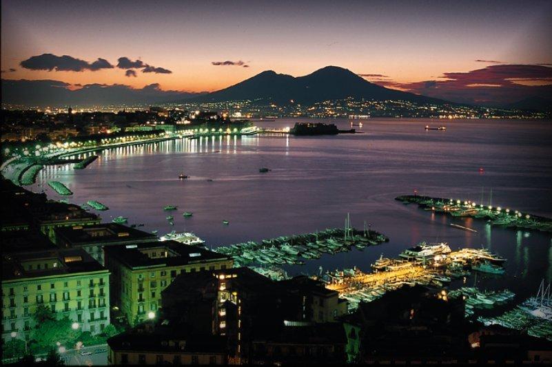Nel golfo di Napoli scoperto un duomo sottomarino