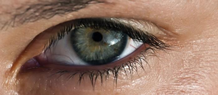 Vi è mai capitato che vi trema l'occhio? Ecco quali sono i motivi