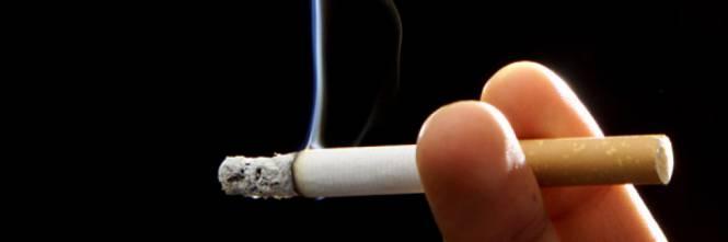 Nuova tassa sulle sigarette per combattere il cancro