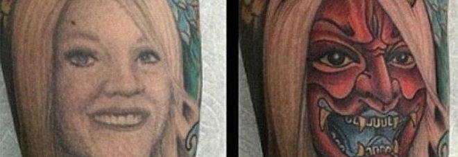 Si era tatuato la moglie sul braccio, divorziano e la trasforma così.