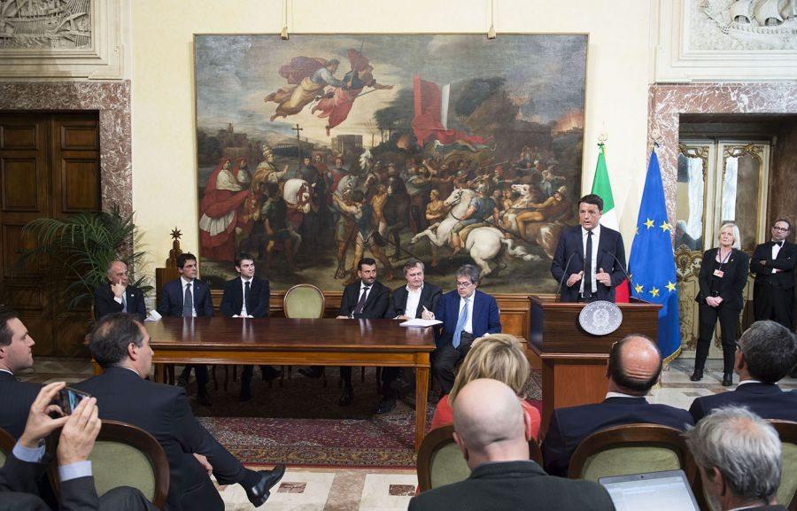 Promessa di Renzi, banda larga, entro il 2020 l'Italia si collegherà a 30 mega.