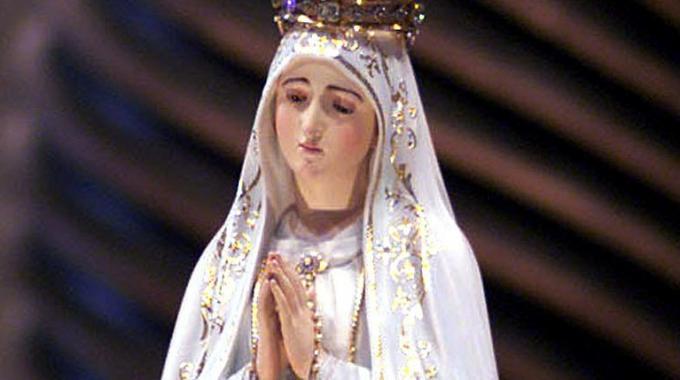 La statua della Madonna di Fatima ha pianto 2 volte, i fedeli gridano al miracolo