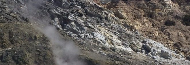 Solfatara, la caldera in risalita di 15 centimetri