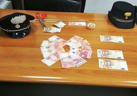 Impiegato alla stazione termini, falsificava banconote e le metteva nei portafogli dei colleghi