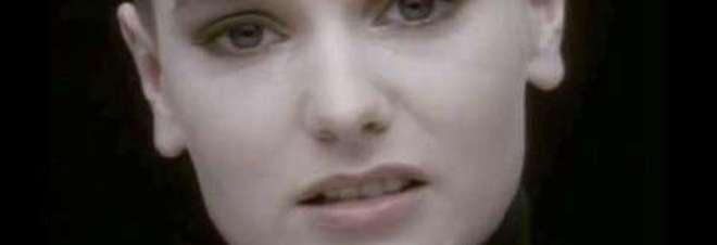 Sinead O' Connor attacca i familiari su facebook: «Mi avete abbandonato, vi denuncio»