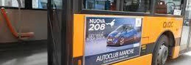Autobus ferma la corsa, ennesima aggressione ad autisti del trasporto pubblico
