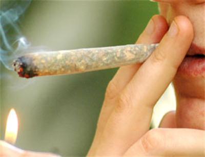 Fumava cannabis, adesso rischia l'amputazione di un arto