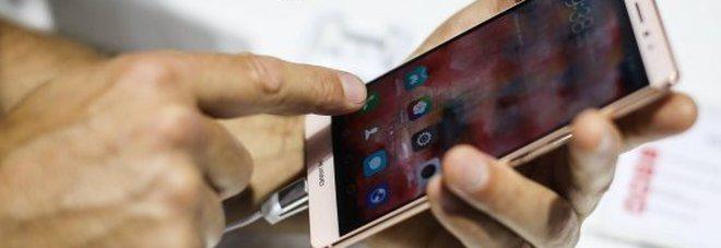 Smartphone, occhio al nuovo virus, vediamo come si prende