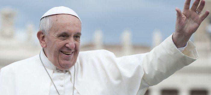 Papa Francesco: si alle donne diacono, potrebbero battezzare e sposare