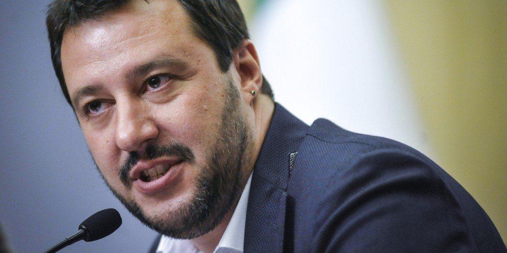 """Salvini """"voterei Raggi a Roma e Appendino a Torino, mai il pd""""."""