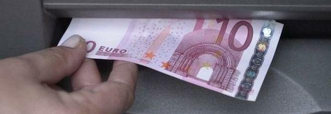 Allarme bancomat, non si sono alcuni tagli di banconote