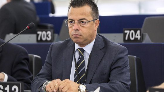 Morto l'europarlamentare della lega Nord Buonanno