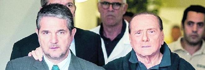Berlusconi a casa senza la sua compagna Francesca De Pascale