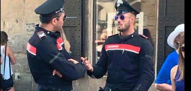 La foto del carabiniere che ha fatto il giro del web