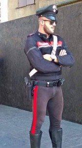 carabinierie-bono-carabinierecondivisaattillata-firenze-isis-brexit-dacca-bangladesh-regnounito-iene-euro