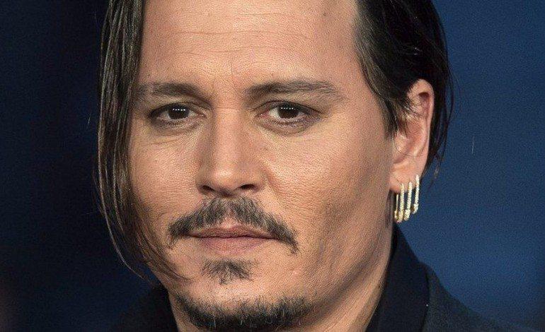 Johnny Depp, guai in vista, finisce in tribunale