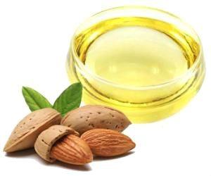 Le proprietà dell'olio di mandorle dolci