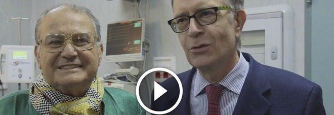 Il boss delle cerimonie torna dopo lo scompenso cardiaco (Video)