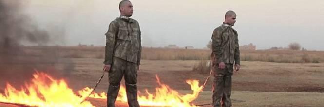 Isis, video choc di 2 soldati turchi bruciati vivi