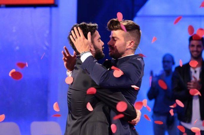 Uomini e donne, trono gay: Claudio Sona sceglie Mario Serpa