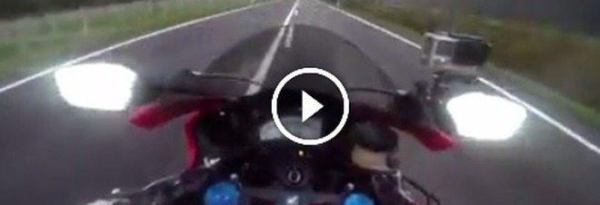 Video virale: 300 all'ora in moto in Trentino, ricoperto di insulti