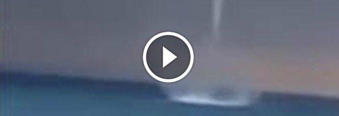 Gli ufo che raccolgono acqua, attenzione! Il video è una bufala