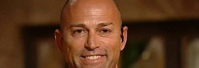 Isola dei famosi, Stefano Bettarini ricoverato in ospedale per attacco dei mosquitos
