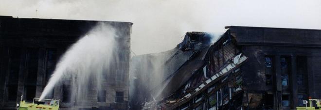 11 settembre: le foto inedite, pubblicate dall'FBI dell'attentato