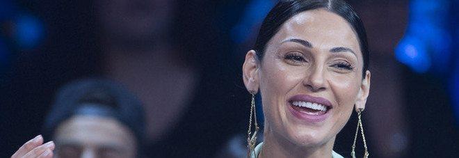 """Anna Tatangelo torna in tv, ma il web la critica: """"Che ha fatto in faccia?"""""""