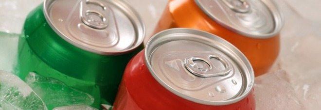 """""""Bere una bevanda dietetica al giorno, aumenta il rischio di demenza"""", la scoperta choc"""