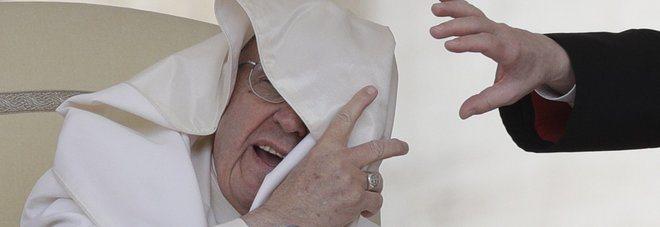 """Vancouver Papa Francesco: """"Anch'io tra gli scartati di oggi!"""""""