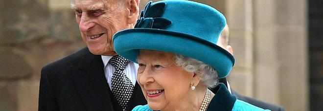 La regina d'Inghilterra cerca un giovane maggiordomo, potete essere i candidati ideali!