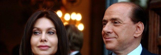 Berlusconi non paga gli alimenti a Veronica Lario, pignorati 26 milioni di euro dal suo conto corrente