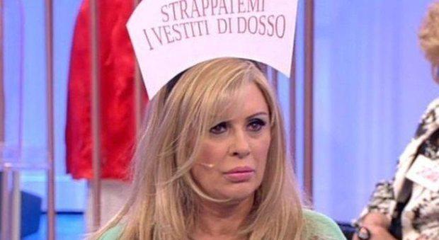 """Maria De Filippi costretta a tagliare """"uomini e donne"""", per colpa di Gemma e Tina"""