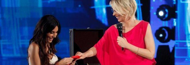 Amici, Sabrina Ferrilli e battuta hot a Maria De Filippi