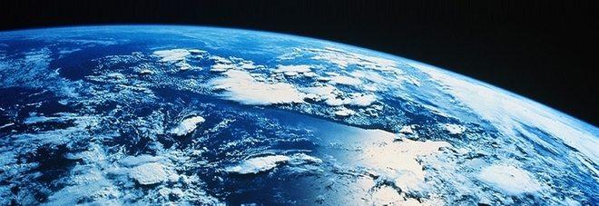 """Misterioso pianeta in collisione con la terra: """"Ad agosto dovrebbe portare terrremoti devastanti!"""""""