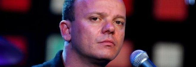 Gigi D'Alessio picchiò i paparazzi, chiesti tre anni di carcere