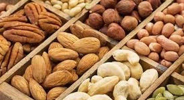 Frutta secca, potentissimo anti-cancro, riduce del 42% il rischio di ricaduta.