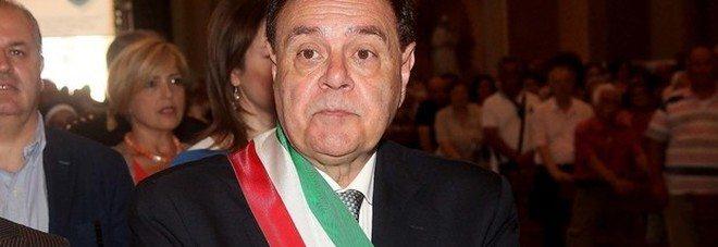 """Clemente Mastella dice addio: """"Ho sofferto tanto!"""""""