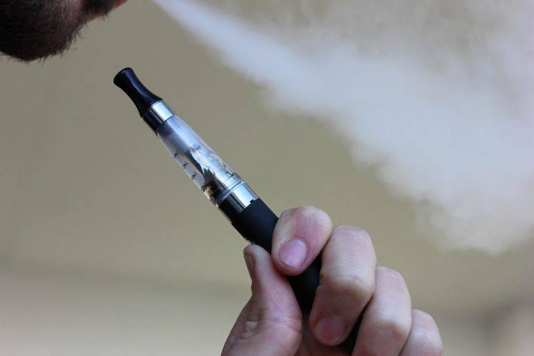 Sigaretta elettronica molto pericolosa per la salute, lo afferma uno studio