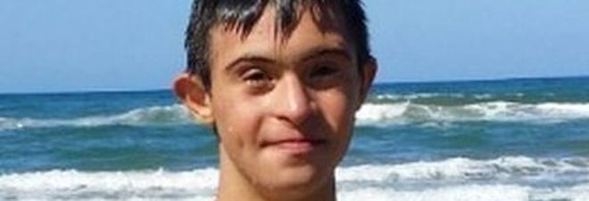 Valerio ragazzo down, salva bambina che stava annegando