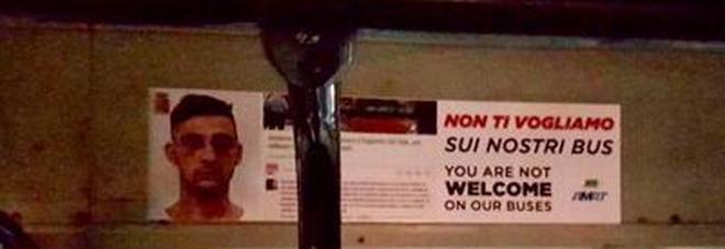"""Palermo, borseggiatore arrestato già fuori, sui bus cartelli con la sua faccia: """"Qui non ti vogliamo!"""""""