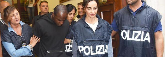 """Stupri di Rimini, racconto choc della ragazza: """"Bottigliata in testa poi mi dicevano I kill you!"""""""