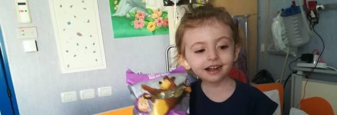 """""""Aiutatemi a trovare il midollo per mia figlia di 3 anni"""", l'appello del  un papà di Elisa sui social"""